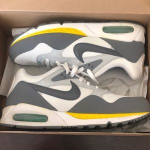 Nike Air Max Correlate size 10